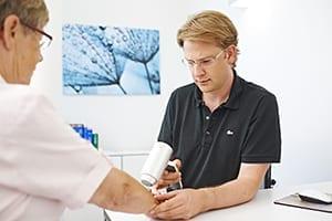 Hautarzt-Hautkrebsvorsorge-300x200