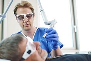 Lasertherapie-Hautarzt-Pigmentstörungen-300x200